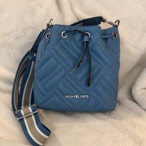 Michael Kors Peyton bucket bag